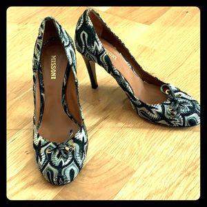 Missoni round toe pumps sz 38.5